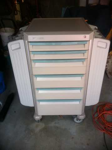 Folding Wing Cabinet On Wheels With Counter Top