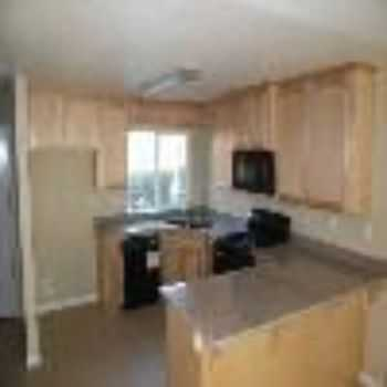 Newer 2 Bedroom Townhome Modesto