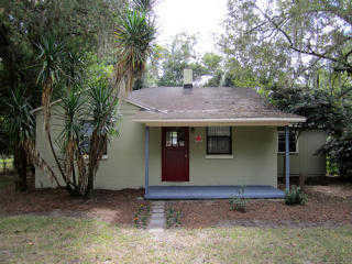 3br / 2ba House With Den And Large Fenced In Yard