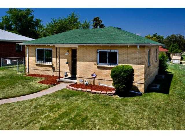 Detached Single Family, Contemporary, Ranch / 1 Story - Denver, Co