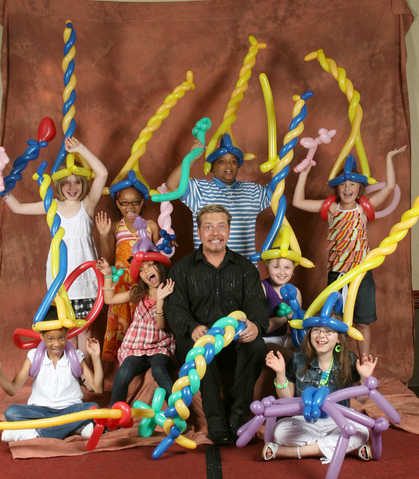 Billy Heh - Pittsburgh Balloon Artist, Balloon Twister, Magician