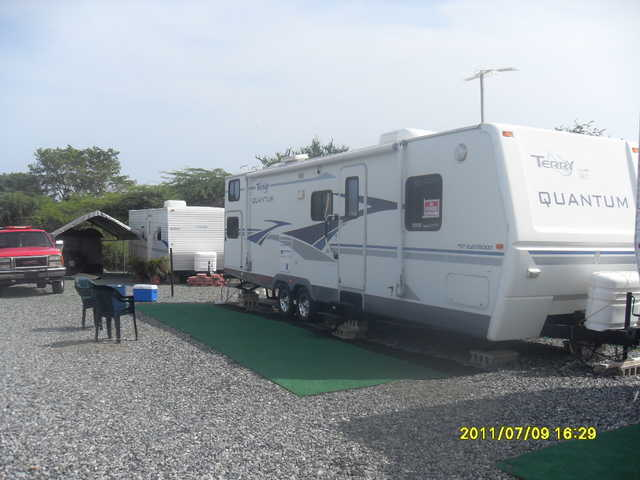 Se Vende Camper Terry Quantum 32ft