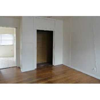 1bd1ba W Large Kitchen And Hardwood Floors!