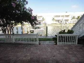 Waterfront Condo 21 1000 Sq Ft. With Huge Sundeck