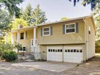 4br / 2+1ba Single Family House - Portland