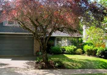 * Westlake Contemporary On Culdesac With Yardcare