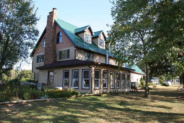 Online Auction! Country Home On 4.2 Acres