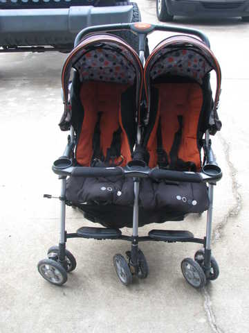 Combi Double Stroller - Used Combi Combitwinsport2 $75 (Richmond ...