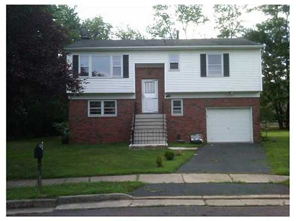 3 Bedroom 1 5 Bathroom Single Family For Rent 1 455 Edison Nj 08820