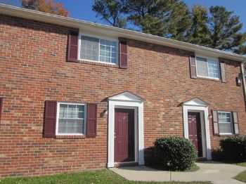 2 Bed 1.5 Bath Newly Renovated Townhouse!