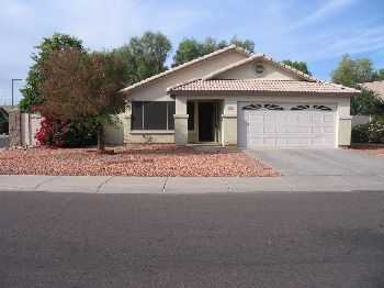 3 Bedroom 2 Bath Single Family Home With Pool!
