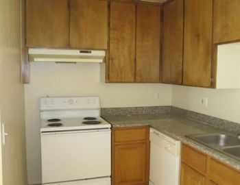 3 Bed 2 Bath Apartment Huge Great Room!