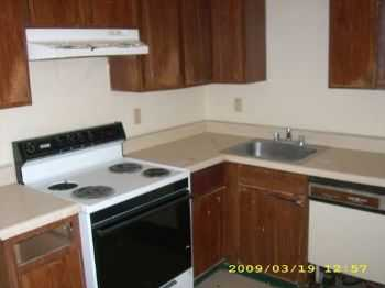 Move In Special! Quiet Little 2 Bed! Good Location