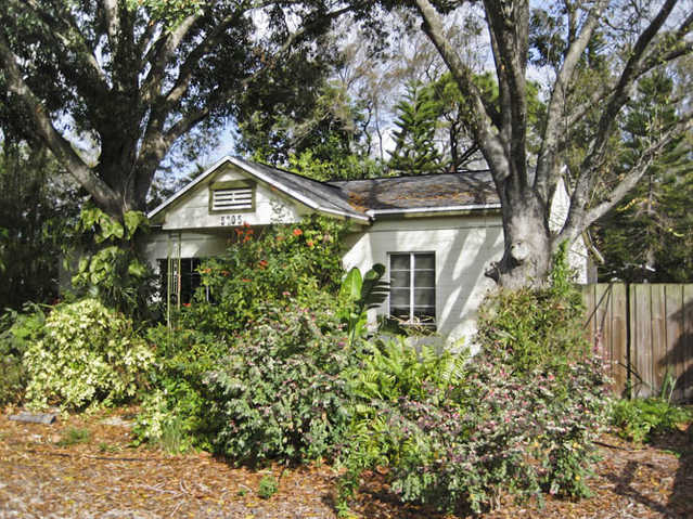 Gulfport Home On Double Lot!