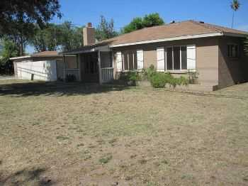 Four Bedroom Home In Modesto!