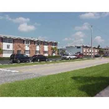 Lake Park, Fl Condo $800 00 Available June 201