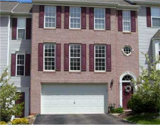 Beautiful Brick Townhouse For Rent