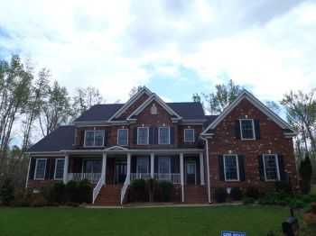 Beautiful And Spacious 4br 3.5 Ba With 3 Car Gar