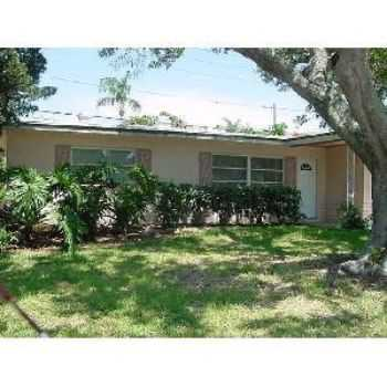 6481 101st Way Centrally Located In Seminole