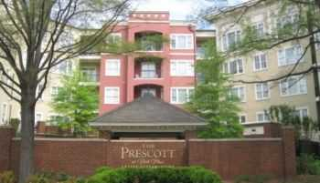Luxury Condo In Excellent Dunwoody Location!
