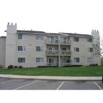 Littleton, Co Condo $850 00 Available May 2012