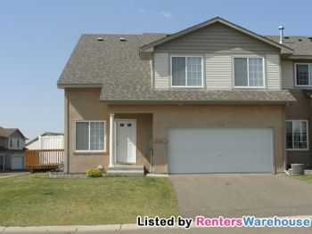 Upgraded 3 Bedroom 3 Bath Townhome With Basement