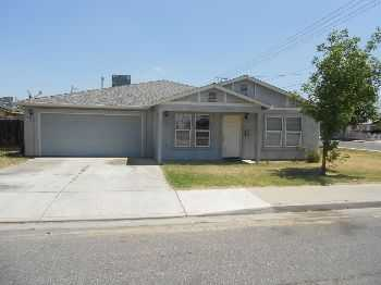 Cozy Turlock Newer 3 Bedroom