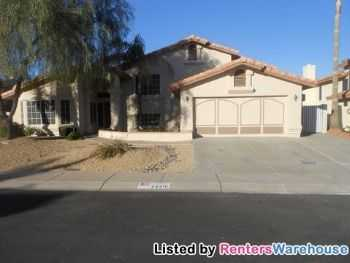 Beautiful Huge 5 Bedroom Home Great Neighborhood