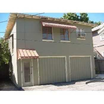624 Half 6th St N Walking Distance To Downtown!