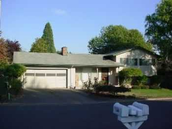 3 Bd 2 Bth Trilevel W Garage