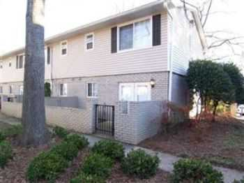 Great Townhome And Great Location, Minutes To Ga 4