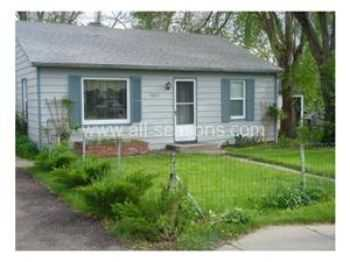 Centrally Located 3 Bedroom Home! Large Fenced Yar