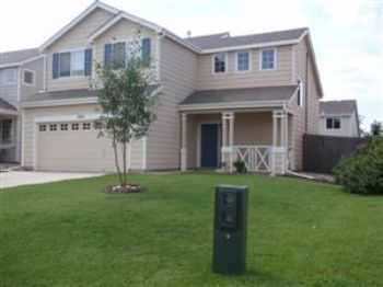 Colorado Center Two Story 3 Bedroom Home For Rent!