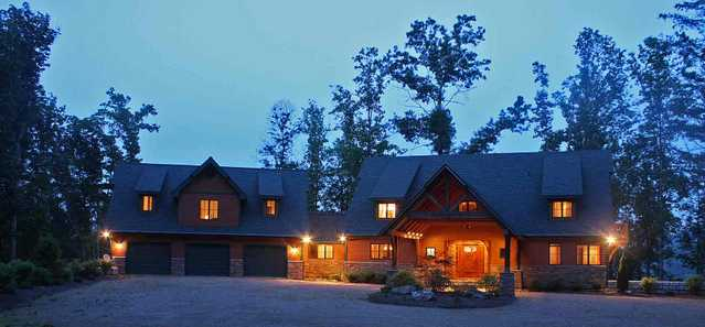 Western Nc Lodge: 5br / 8b On 18.67 Ac.