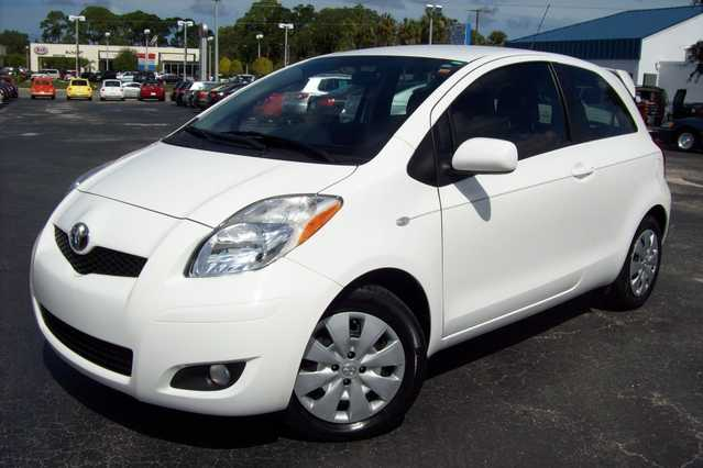 2010 Toyota Yaris - White - Manual - 23k Mi.