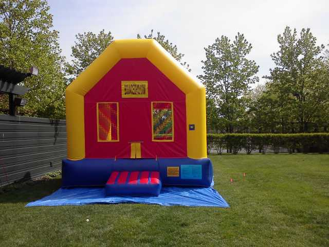 Bounce House / Inflatable Rental