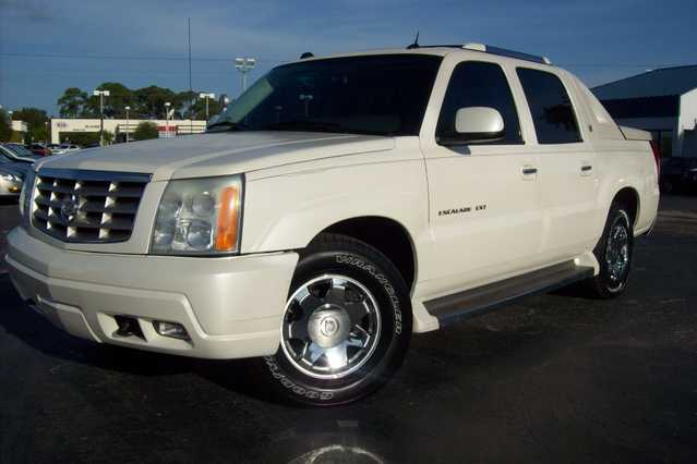 2005 Cadillac Escalade Ext - White Diamond - 105k Mi.