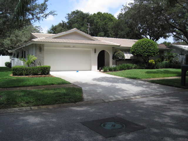 Gorgeous 3 / 2 / 2 Seminole Pool Home!