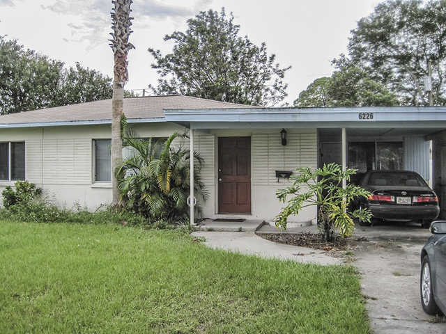 Short Sale. Nice 2br / 1 Ba / Pool Home.