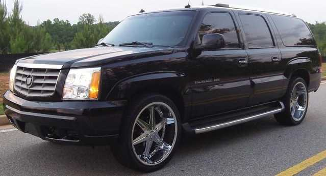 2002 Cadillac Escalade Esv With Wheels On 24' And Tv's
