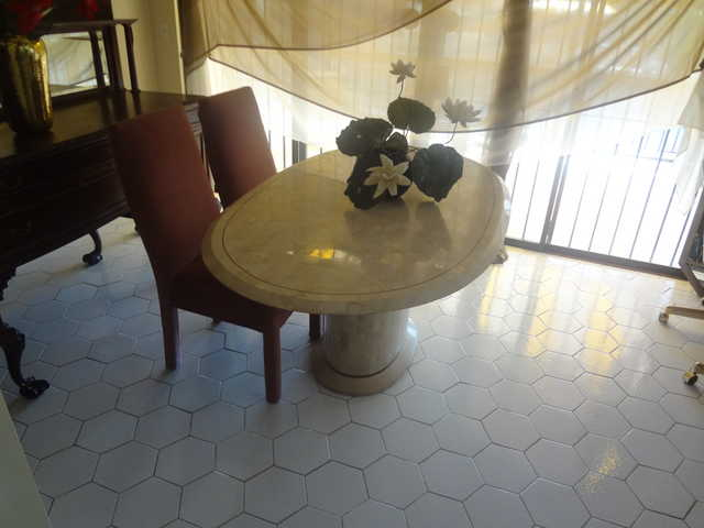 Gorgeous Oval Marble Dining Table