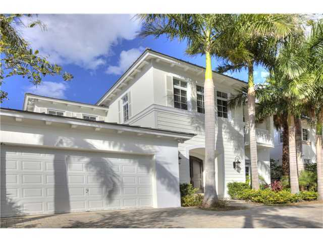 7 Bed, 7.5 Bath, 1021 North Venetian Drive / Miami Beach