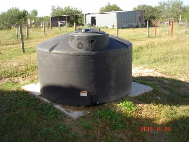 Plastic Water 550 Gallon Holding Tank