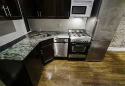 Ues 1br Granite Countertops S / S Marble Bathrooms