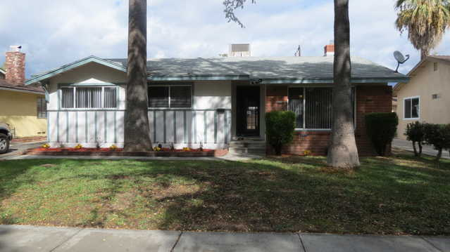 Great Investment Property - 7 1 / 2% Return! Great Location!