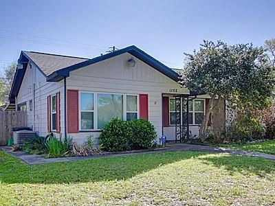 Nicely Updated And Roomy 3 / 1 Timbergrove Home With Large Light An
