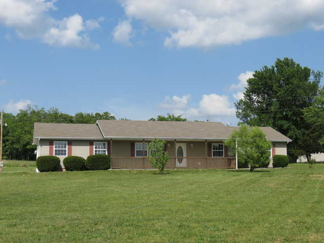 3 Bedroom, 2 Bath Home On 2.8 Acres. Country Living