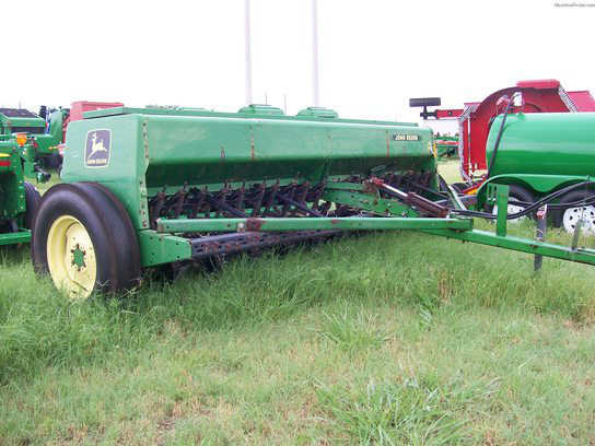 1995 John Deere 450 Seeders