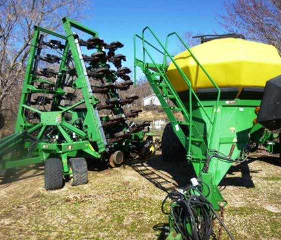 1999 John Deere 1860 Seeders