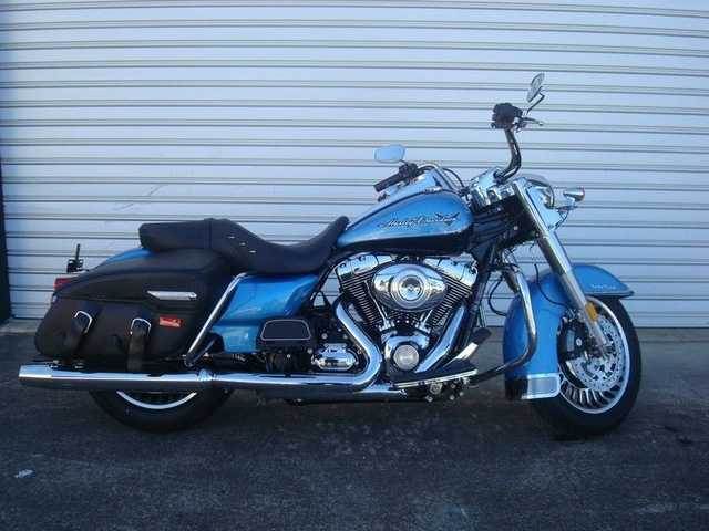 2011 Harley - Davidson (R) Road King Classic Flhrc
